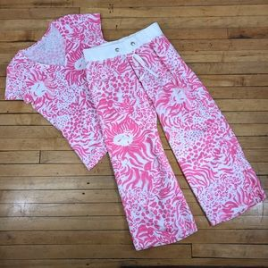 Lilly pulitzer pajama top and bottoms size large